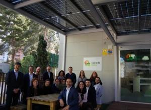 Julia Company con equipo oficina sostenible
